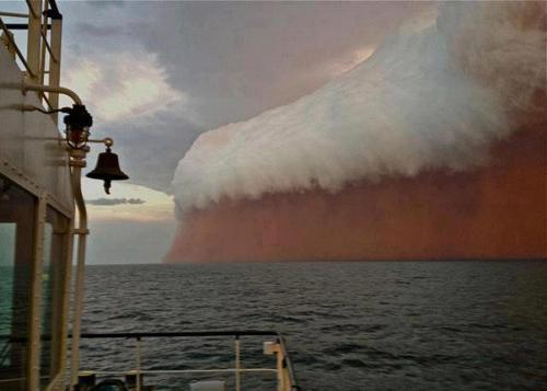 Yaklaşan Kum Fırtınası-Avustralya
