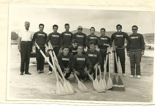 15-1963-4 Akdeniz Oyunları takımı