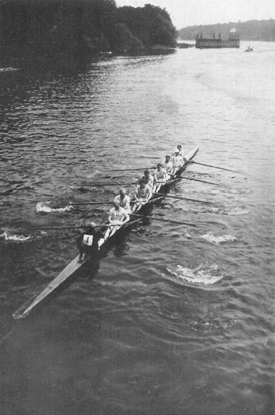 2-1912_British_eights_Leander_2