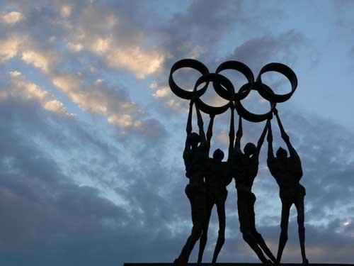 10-Lozandaki Olimpiyat Halkaları