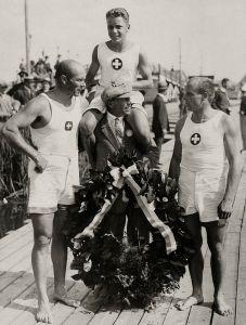 10-H__Schochlin,_H__Bourguin,_K__Schochlin_1928