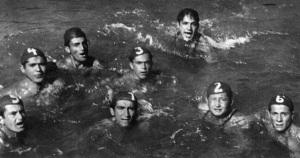 13-1933 Sutopu takımı suda