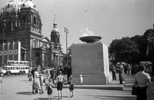 6-Olympic_Fire_in_Berlin_1936