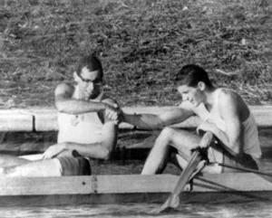 Canada's Roger Jackson (right) and George Hungerford celebrate their gold medal win in the rowing event at the 1964 Tokyo Olympics. (CP Photo/COA) Roger Jackson (droite) and George Hungerford du Canada célèbrent leur médaille d'or au deux d'aviron aux Jeux olympique de Tokyo de 1964. (Photo PC/AOC)