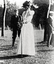 2-Margaret-abbott-gold-medal-1900-golf