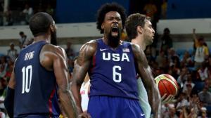 21-DeAndre Jordan Amerikalı basketbolcu İspanyol Paul Gasol'u blokladıktan sonra
