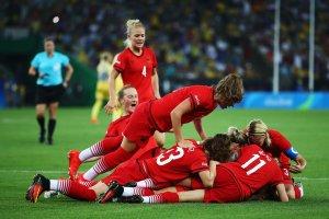 26-Alman Kadın Futbol takımı altın kazanınca