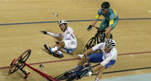 38-İtalyan Elia Viviani bu kazayı hasarsız atlattıktan sonra Altın Madalya kazandı