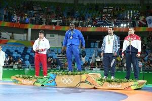 45-Grekoromen 130 kiloda Rıza Kayaalp Gümüş Madalya kazandı