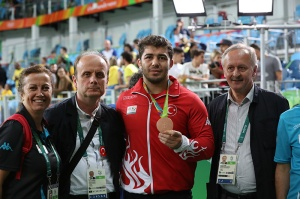 46-Grekoroman 98 kiloda Cenk İldem Bronz Madalya kazandı