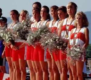 Canada's women's 8+ rowing team celebrate their gold medal win in the 8+ rowing event at the 1992 Olympic games in Barcelona. (CP PHOTO/ COA/Ted Grant) L'équipe du huit féminine d'aviron du Canada célèbre après avoir remporté une médaille d'or aux Jeux olympiques de Barcelone de 1992. (PC Photo/AOC)