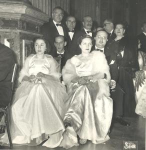 113-1957-yilbasi-balosu