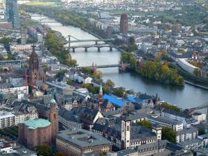 frankfurt-main-nehri